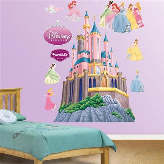 Princess wall decals lighten your little girl 39 s room for Castle wall mural sticker